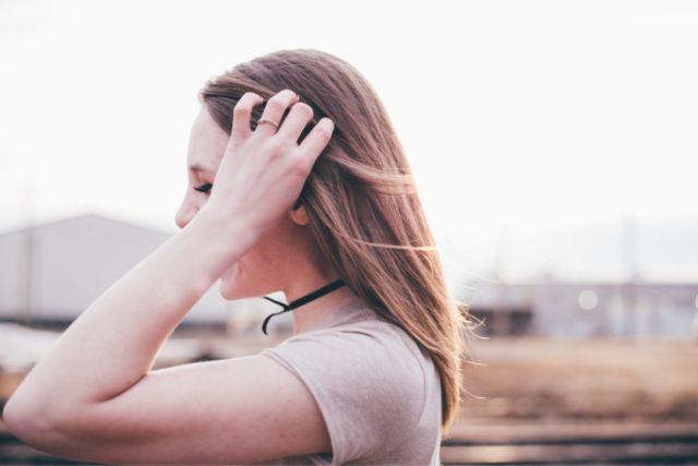 外国人女性の横顔