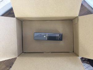 育毛剤フィンジアが箱の底に貼り付けられている画像