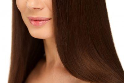髪がストレートの女性の画像