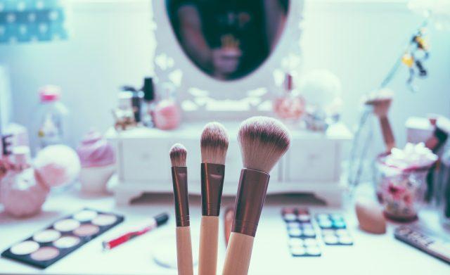 「薄毛・白髪隠しのファンデーション」おすすめ人気商品3選をご紹介