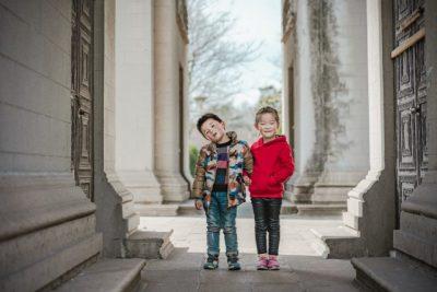 2人の子どもの画像