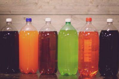 色々な色の瓶の画像